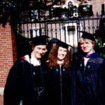 Mit meinen Kommilitonen als stolze Alumnae und Alumni des Master in Public Administration im Jahr 2000